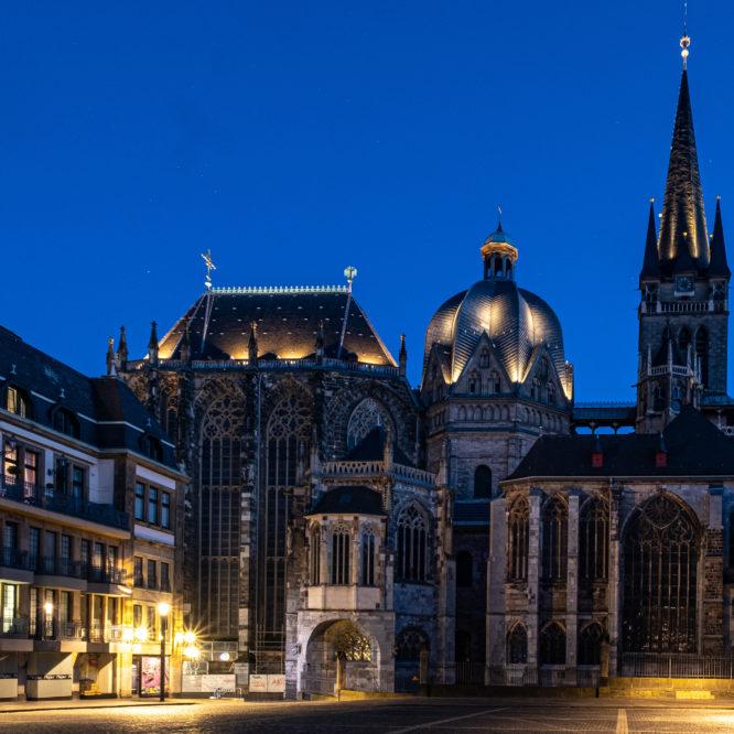 Aachen, Dom bei Nacht, Ansicht vom Katschhof
